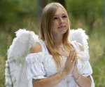 woman_angel_costume_kindlephoto-8131448